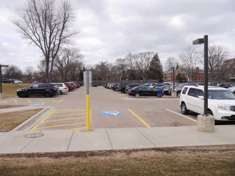 Opinion: The senior parking lot is for seniors