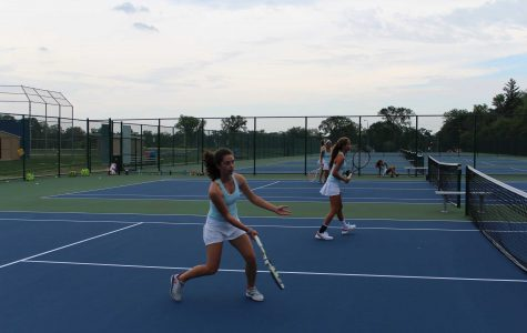 Rabjohns leads Girls tennis to a 3-0 week