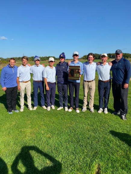 Boys Golf wins Regionals