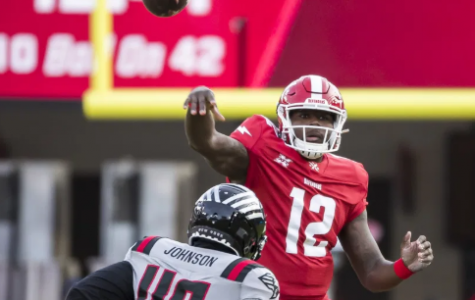 Cardale Jones throws a pass as quarterback of the DC Renegades.