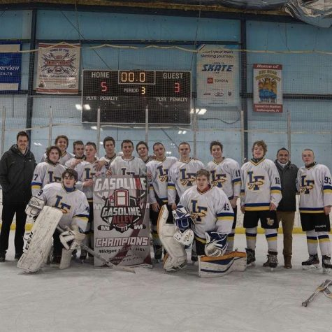 Despite Circumstances, Boys Hockey Team Completes Strong Season